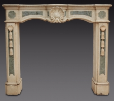 Camino Coloniale /Colonial Fireplace